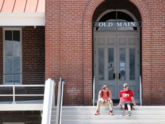 Students enjoying sunshine at the University of Arizona